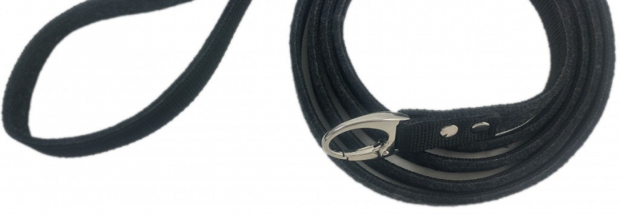 Dog leashes made of leather and felt